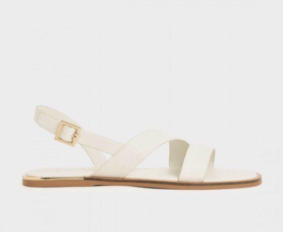 รองเท้าแตะผู้หญิงสีขาว
